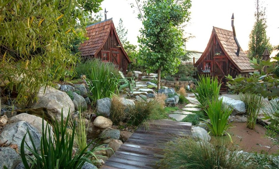 Rustic Way Cottages by Dan Pauly