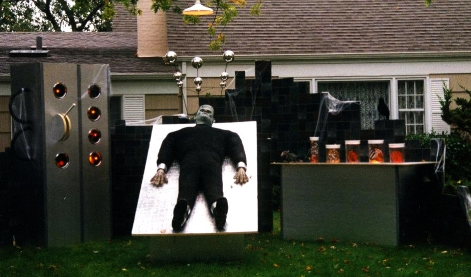 10 tech-themed Halloween house designs for Geeky families