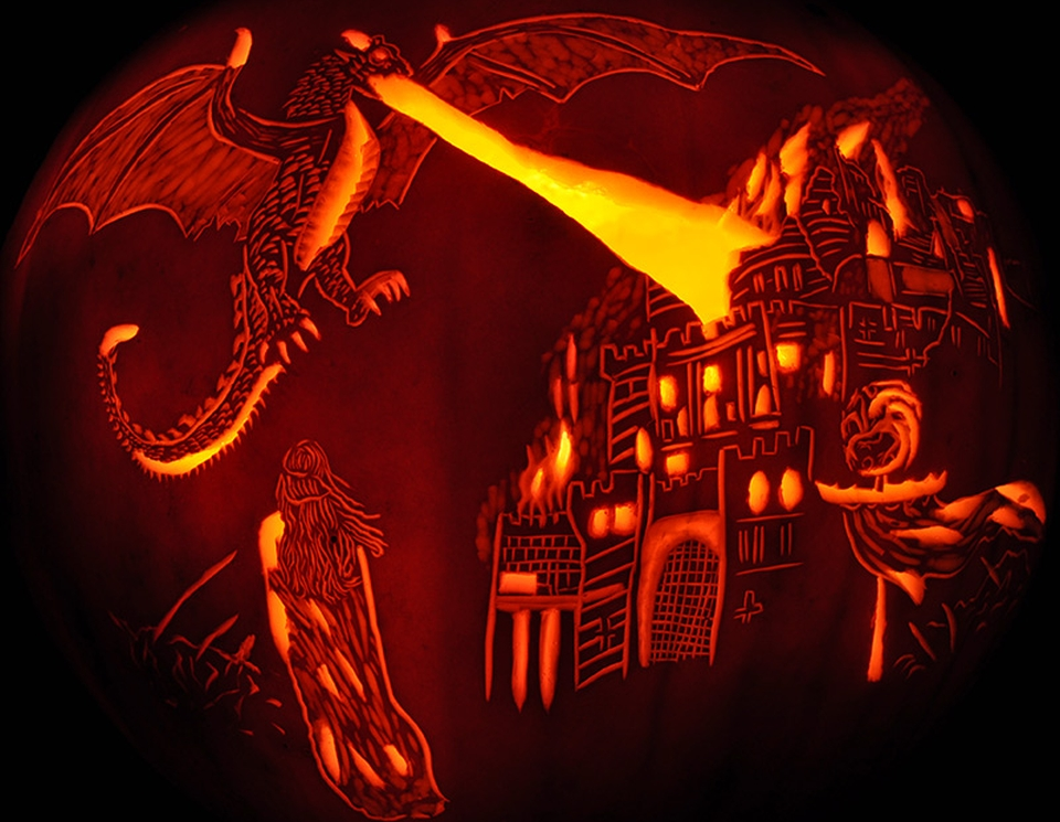 20 fascinating jack-o-lanterns light up Halloween 2015