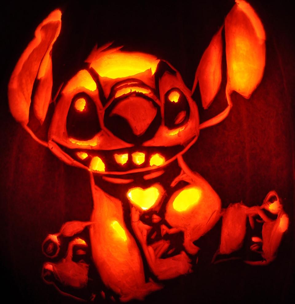 20 fascinating jack-o-lanterns light up Halloween 2015