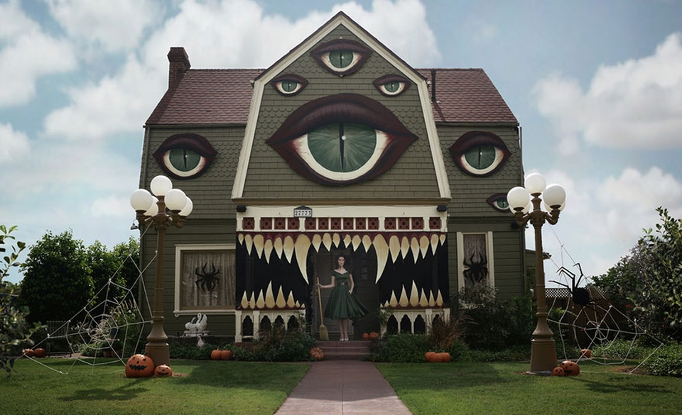 Culinary artist turns parents' home into a terrifying monster