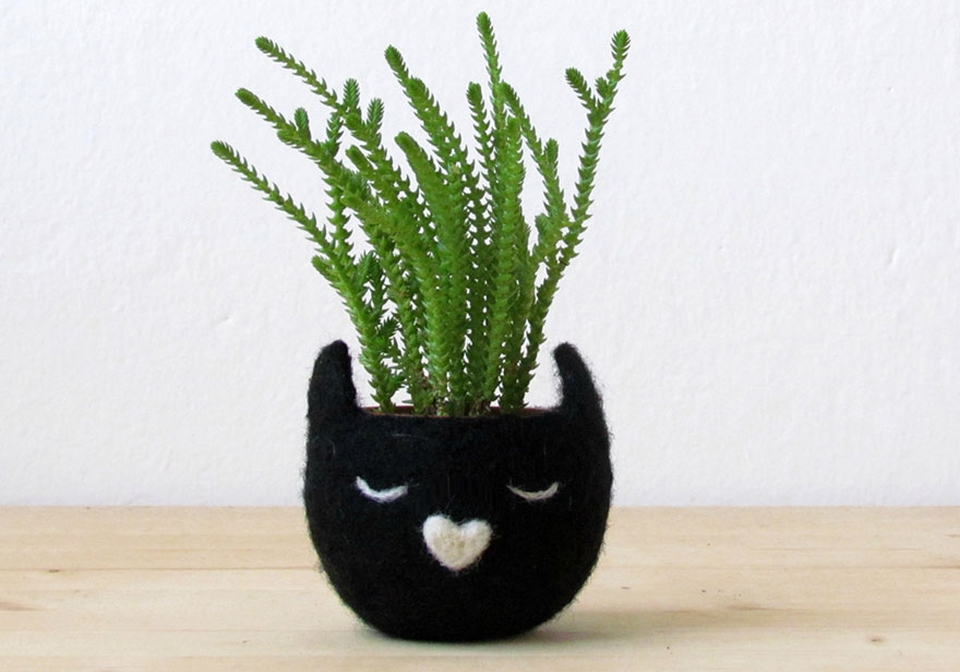 Kitty Cat Planters by The Yarn Kitchen