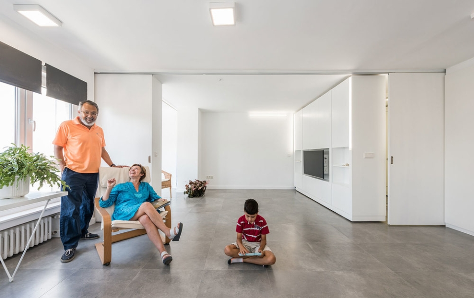 Flexible vacational home designed by PKMN Architectures
