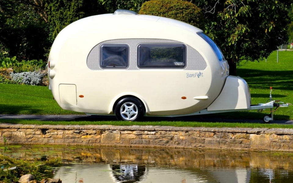 Retro Barefoot 'curvy' caravan is truly female-friendly