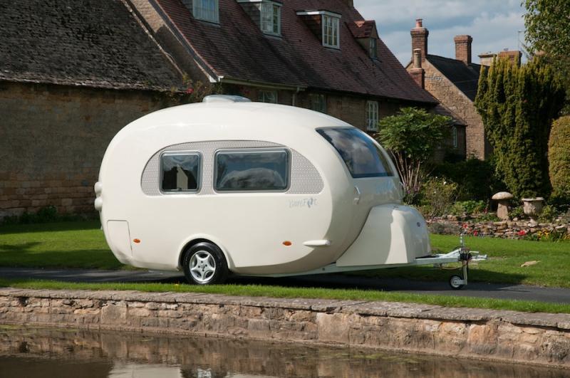 Retro Barefoot Curvy Caravan - Trailer Camper