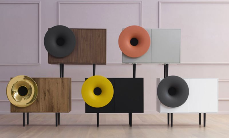 Bluetooth-enabled Caruso speaker plays music from your phone