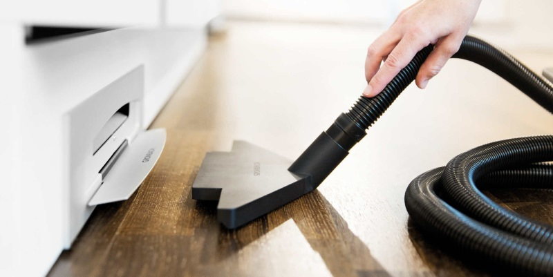 PoggenpohlPlinth Vacuum Cleaner