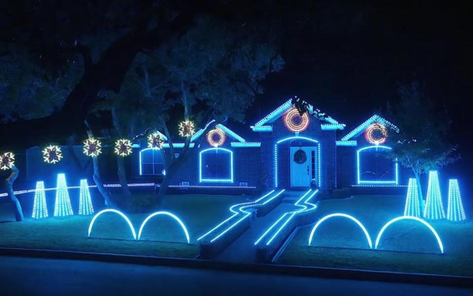 San Antonio family's dubstep Christmas light
