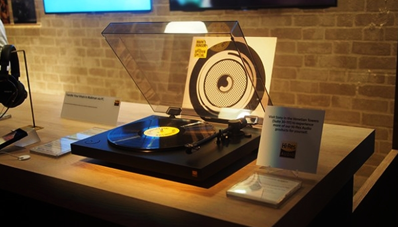 Sony HX500 turntable at CES 2016