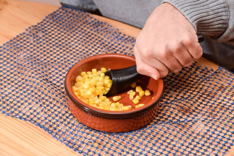 Spillage-proof S-up spoon