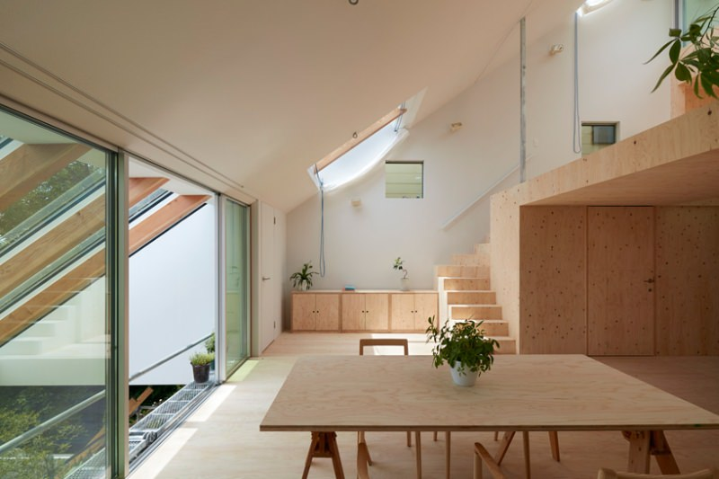 Re-slope House by Tomohiro Hata
