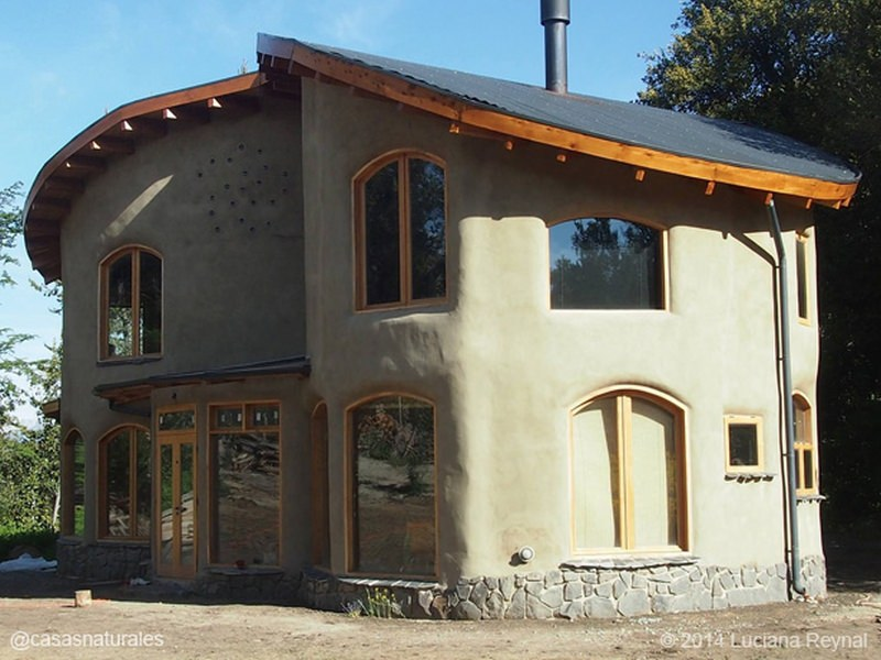 6 clay houses showing conversion of soil into sustainable habitats