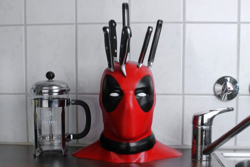 3D Printed Deadpool Knife Block