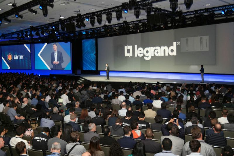 Samsung-and-Legrand-Thread-Enabled-IoT-Light-Switch