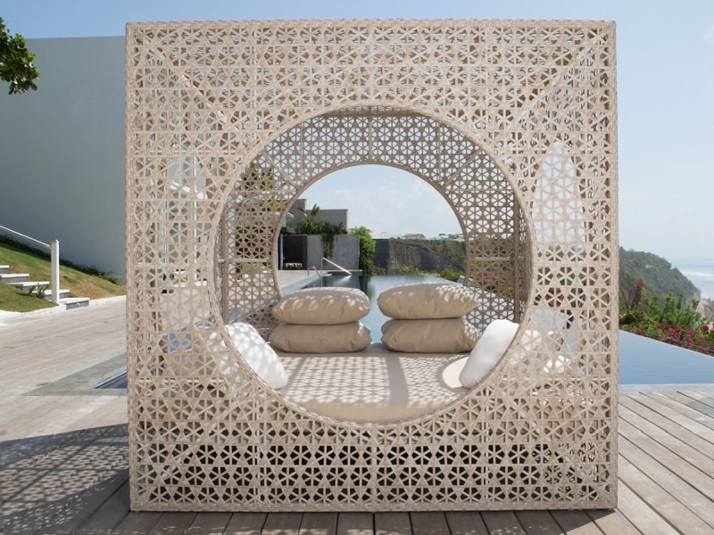 Daybed Cube by Skyline Design
