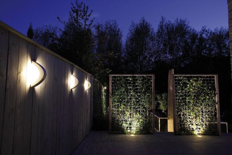 Garden wall lights