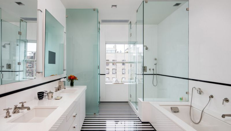 Bathrooms with street views