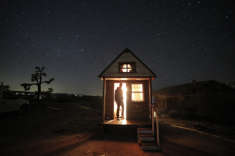 A night spent at Tiny house with moon and shining stars