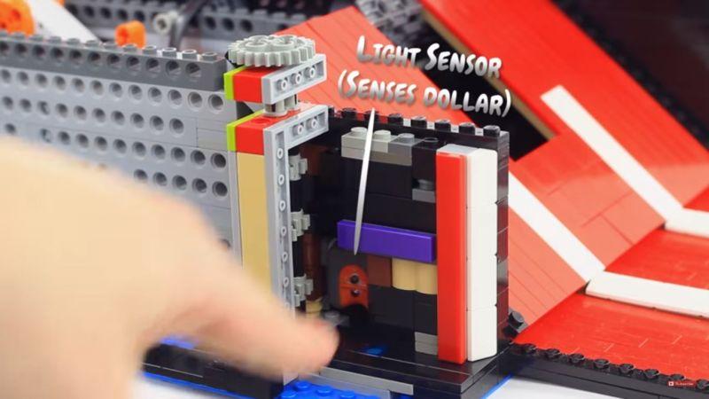 A light sensor for detecting dollors