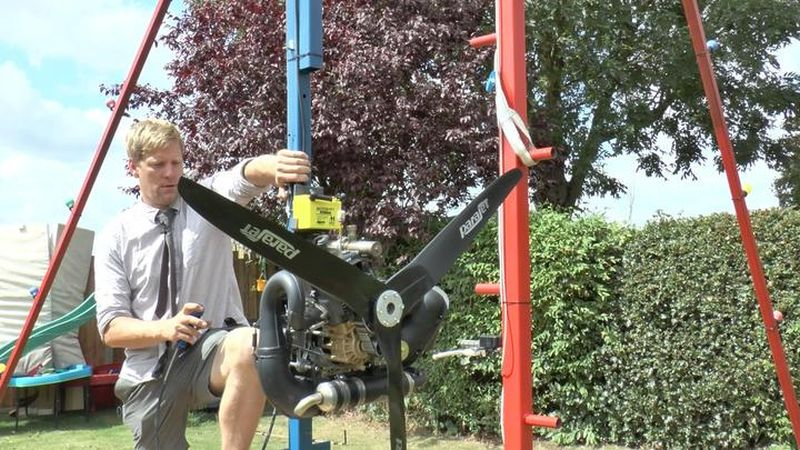 Colin Furze upgrades his 360-Swing with gas-powered paramotor