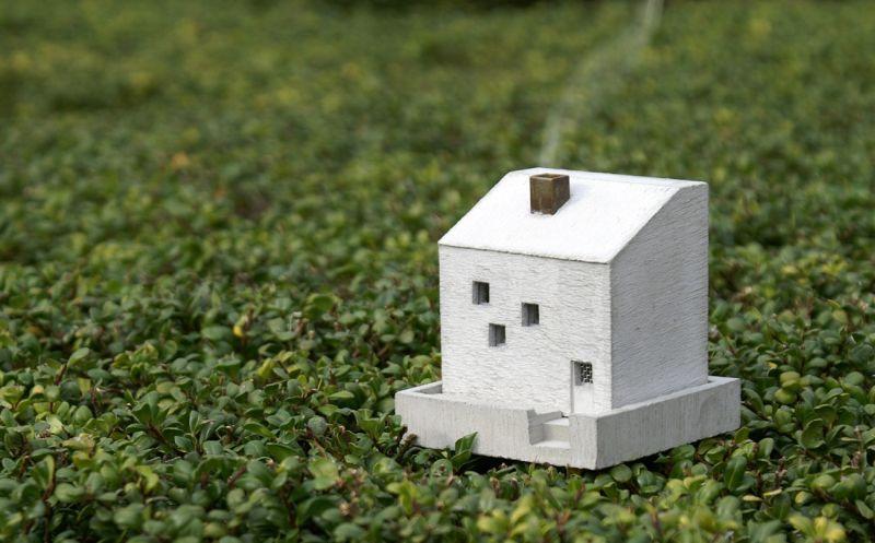 Cottage incense burner