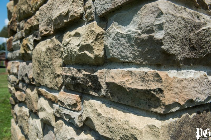 Attractive stone texture all sides