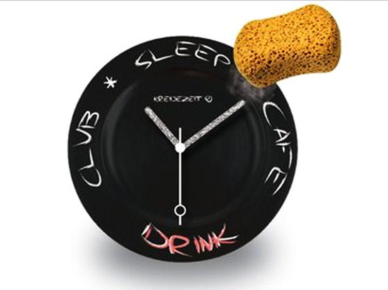 Kreidezeit blackboard wall clock