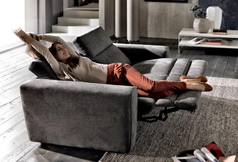 Natuzzi Brio Motion Reclining Sofa With