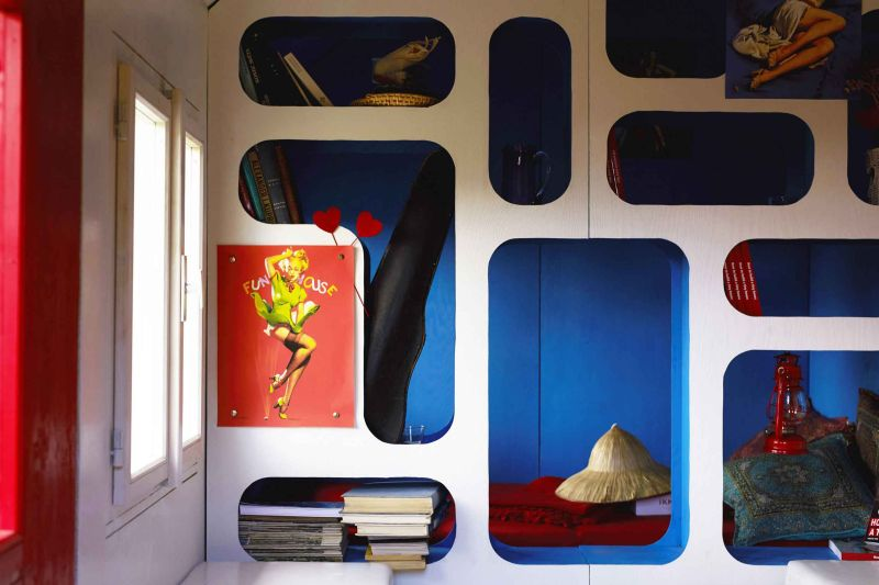 France tiny house by Joshua Woddsman has three separate living sections_17