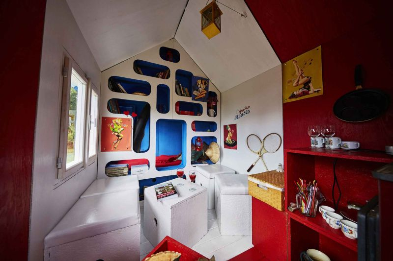 France tiny house by Joshua Woddsman has three separate living sections_2
