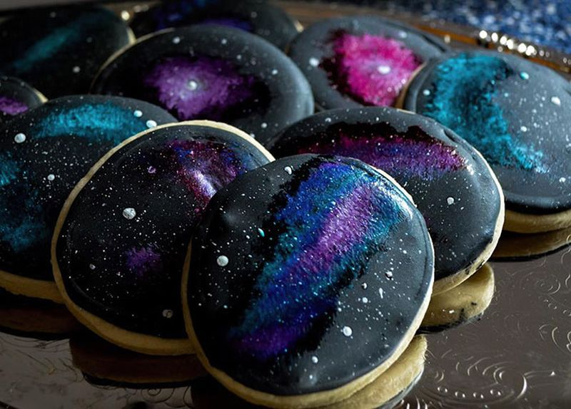 Galaxy-themed Cake and Cupcakes