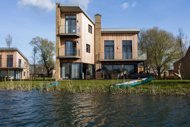 habitat House is a waterfront property in UK