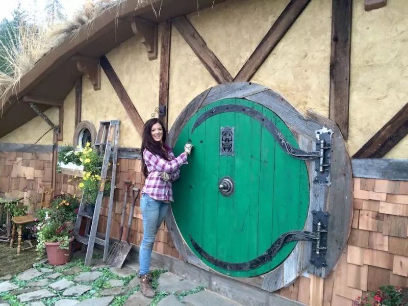 Roundish door depicts it like a hobbit house
