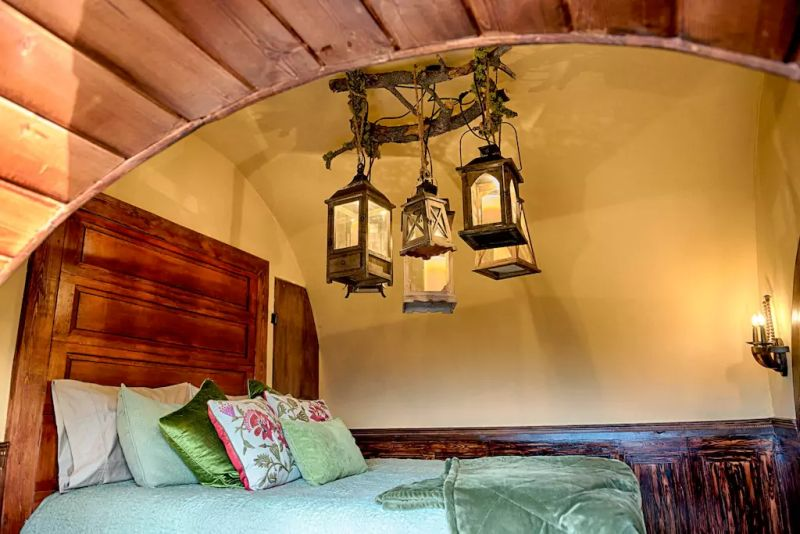 Sufficient interiors for two persons