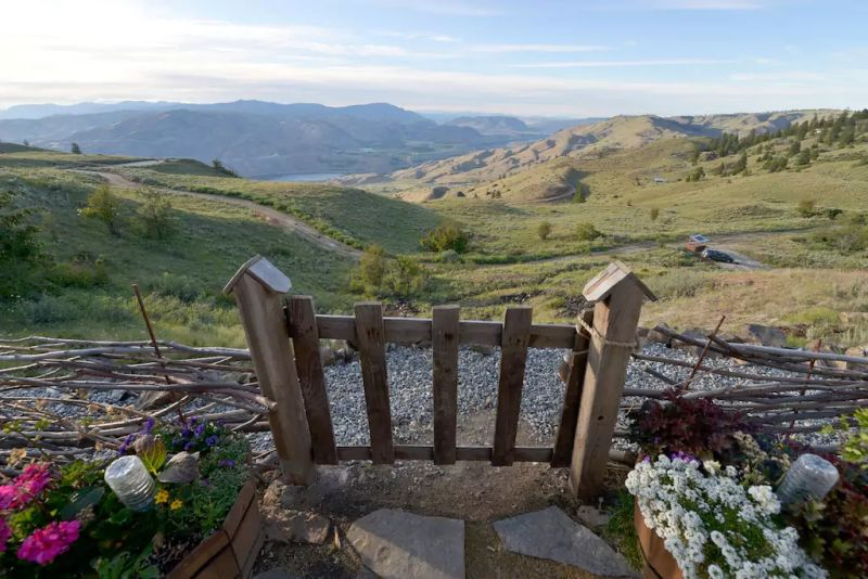 Stands at a hilltop offering naturalistic views