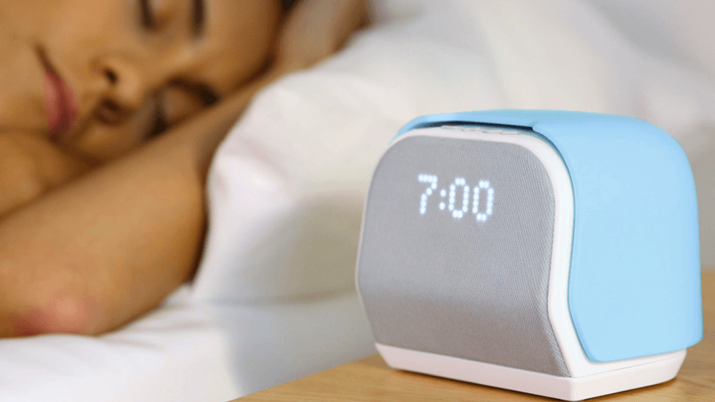 Wakes you up in time by limiting snooze tries