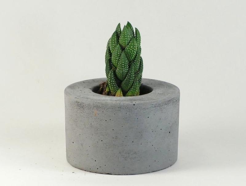 Mini Mini Round Concrete Planter