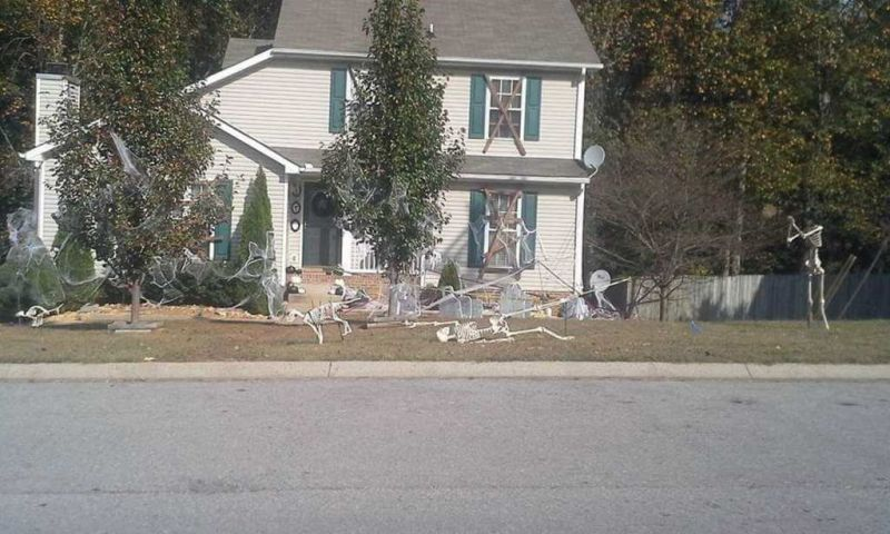 Clarksville family depicts story of Mr. Bones at their yard this Halloween_1