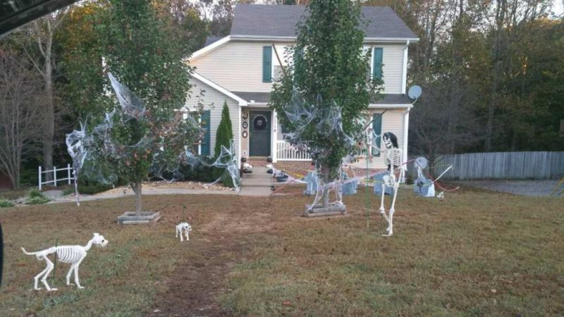 Horrifying Halloween decorations surprising entire neighborhood