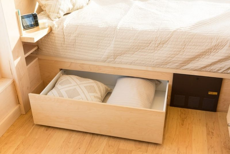 Hidden storage cabinet under incorporated the bed
