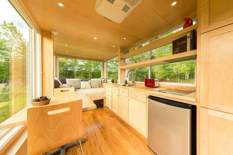 Escape Vista-Beautiful tiny home covered with large glass windows_16