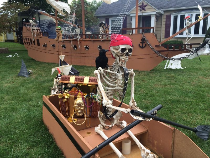 Halloween pirate ship display