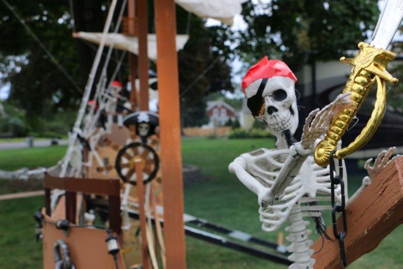 Halloween pirate ship display