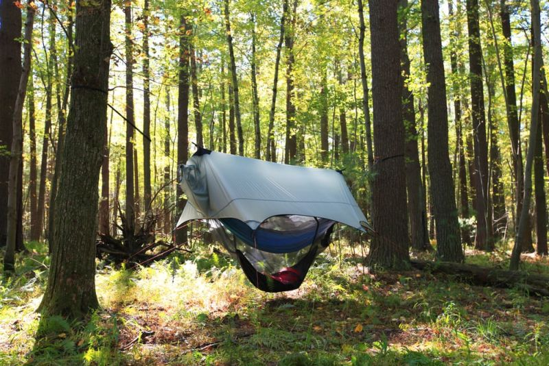 Nube Stratos hammock shelter for safe camping above the ground_5