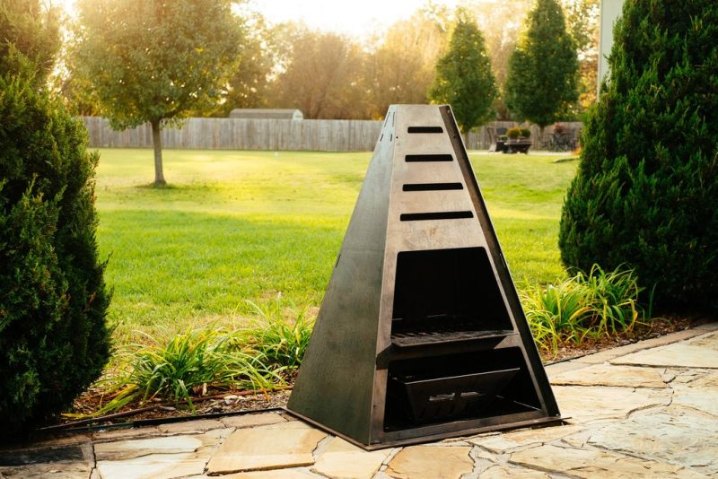 Fantastic outdoor fireplace that can be used as grill and smoker