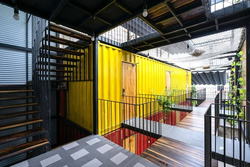 ccasa-hostel-by-tak-architects