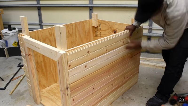 how-to-build-a-modern-dog-house_4