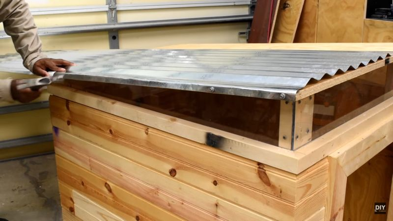 how-to-build-a-modern-dog-house_7