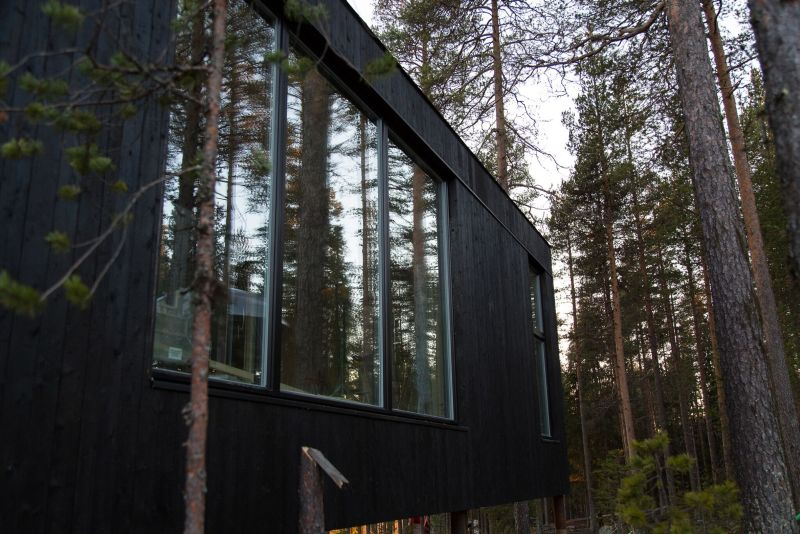 The 7th Room Treehouse in Sweden Stands 10-Meter Above the Ground