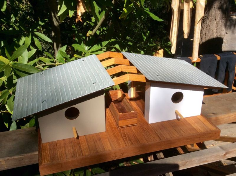 Sourgrassbuilt builds birdhouses inspired from historic architecture_10